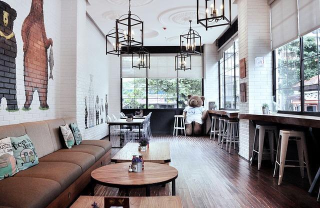 просторное кафе