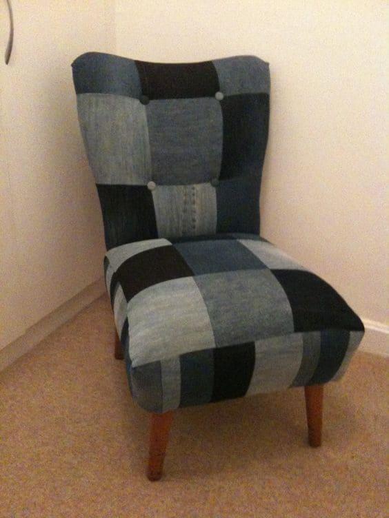 джинсовое кресло в клеточку