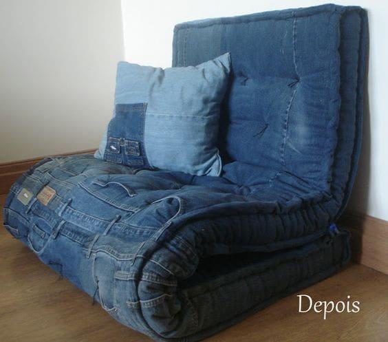 мягкое кресло из джинс