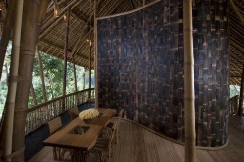перегородка из плетеного бамбука