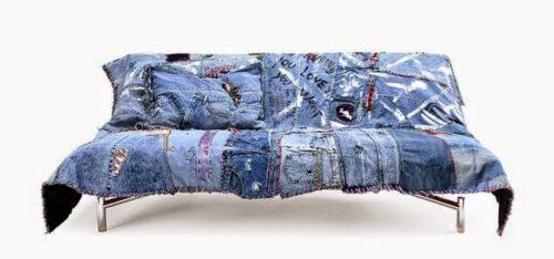 покрывало из джинс на диване