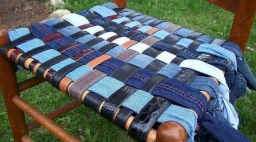 сиденье для стула из джинсы и ремней