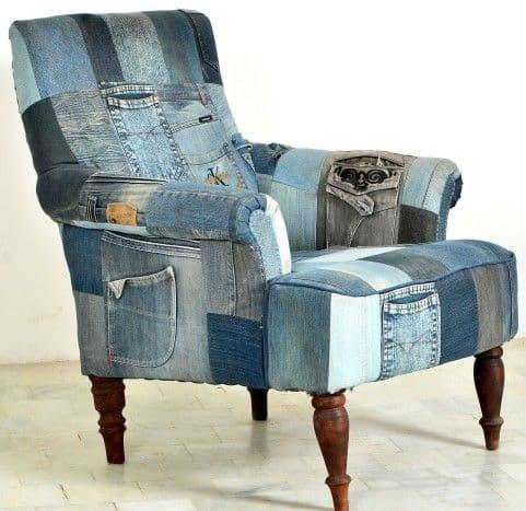 стильное кресло из старых джинс фото