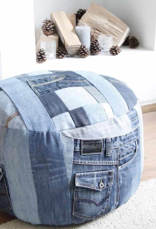 стильный пуфик из джинсы